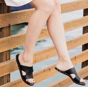 beek_sandals_outstyled_1.jpg