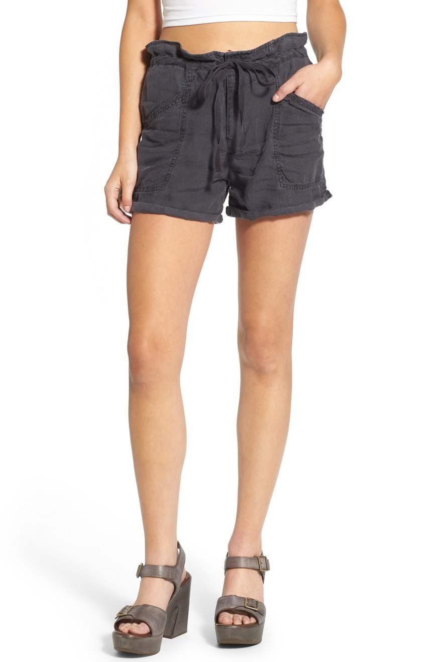 BLANKNYC-Doing-Time-Drawstring-Linen-Shorts-outstyled