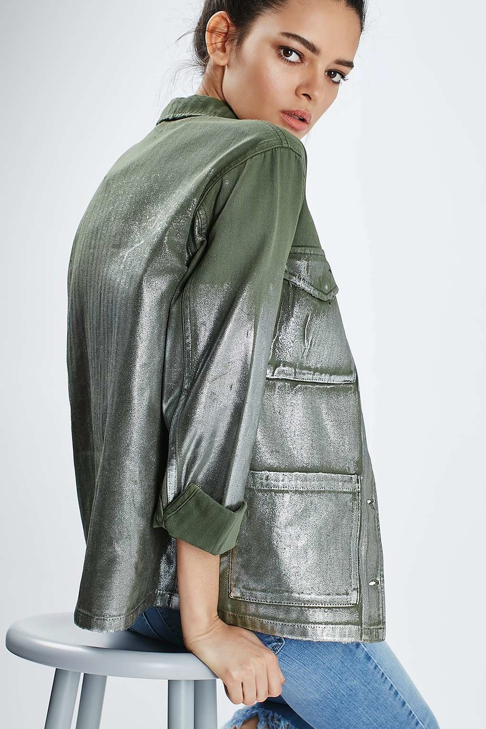 topshop-Foil-Detailed-Lightweight-Shacket-back-outstyled.jpg