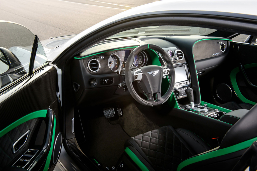 bentley-continental-gt3-r-dashboard.jpg