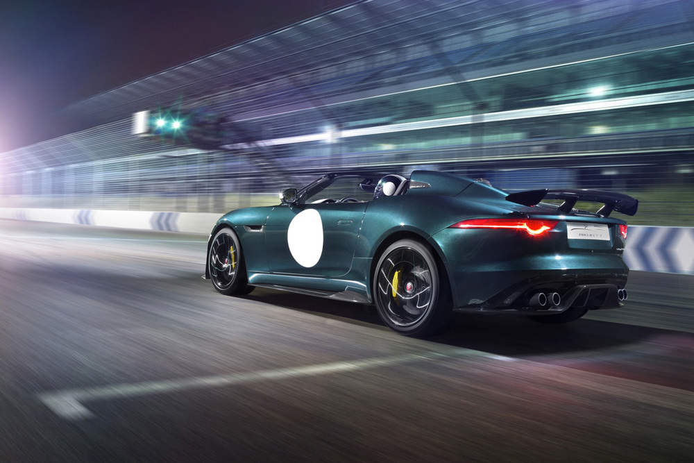 Jaguar-F-Type-Project-7-racing.jpg