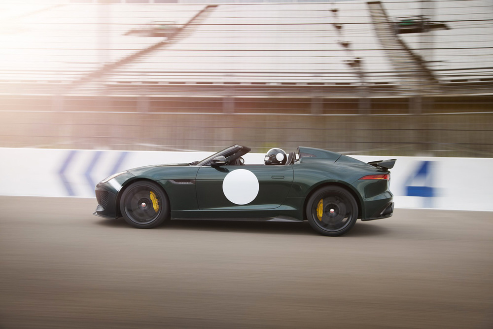 Jaguar-F-Type-Project-7-side-motion.jpg