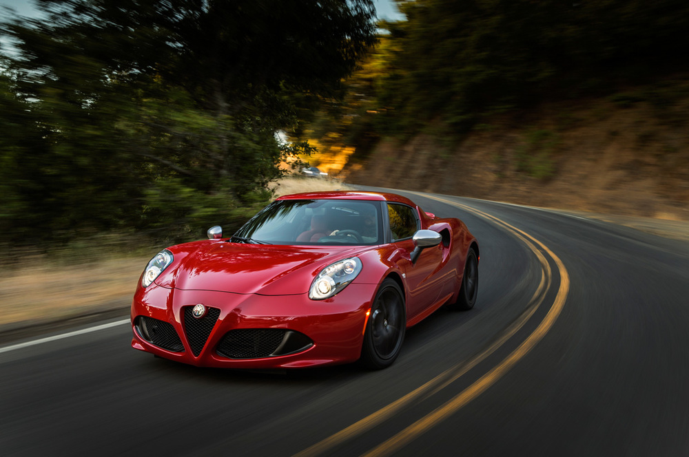 2015-alfa-romeo-4c-front-three-quarter-in-motion.jpg