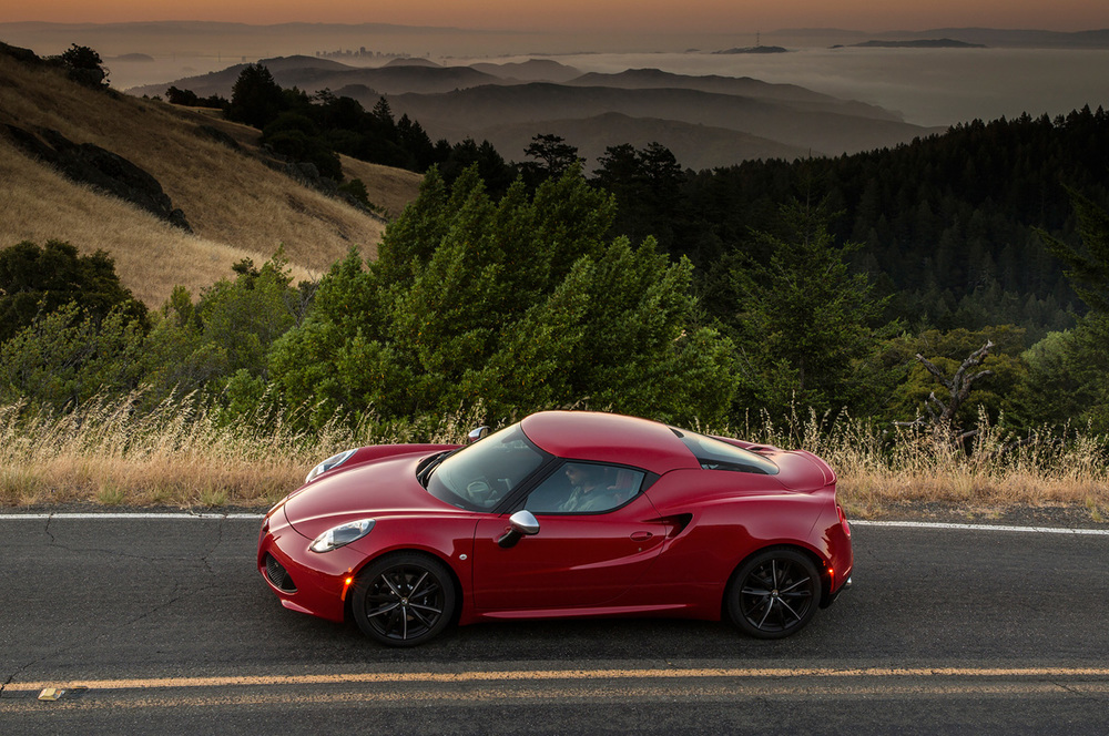 2015-alfa-romeo-4c-side-profile.jpg