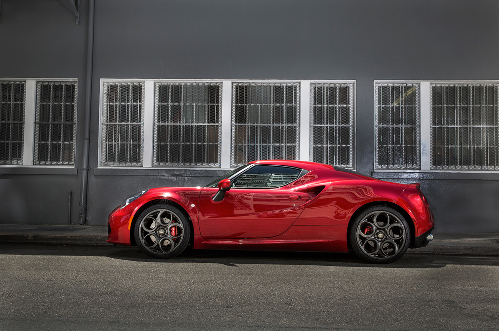 2015-alfa-romeo-4c-side-profile-02.jpg