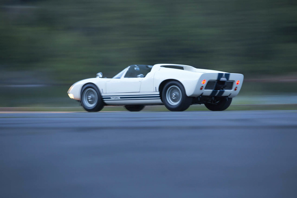 1965-ford-gt40-roadster-prototype-26-1.jpg
