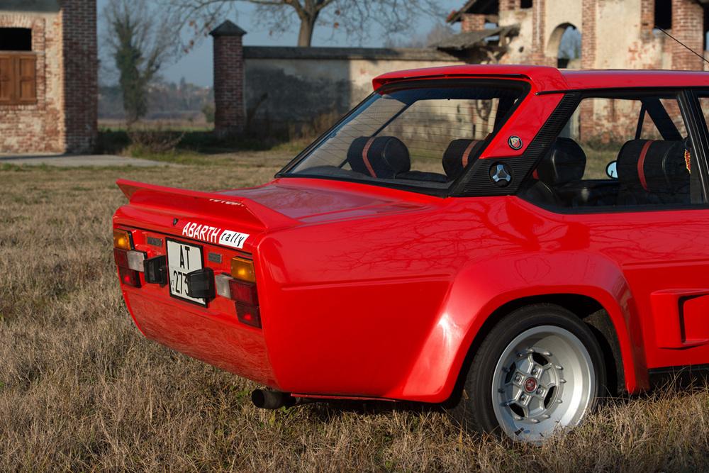 1976 Fiat 131 Abarth-12.jpg