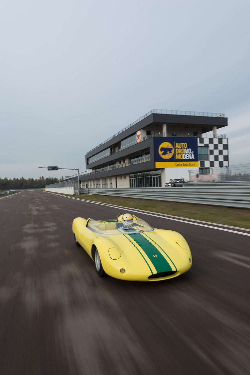 1964 De Sanctis Sport SP 1000-28.jpg