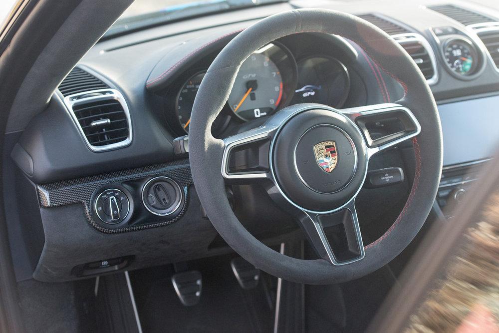 Cayman GT4-10.jpg