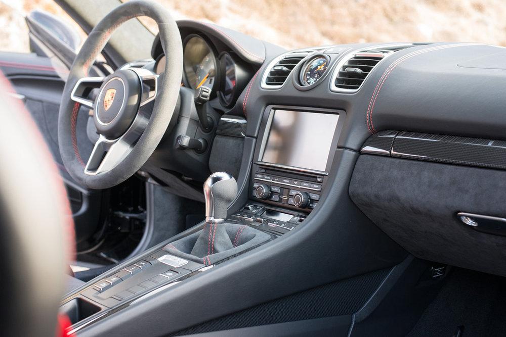 Cayman GT4-11.jpg