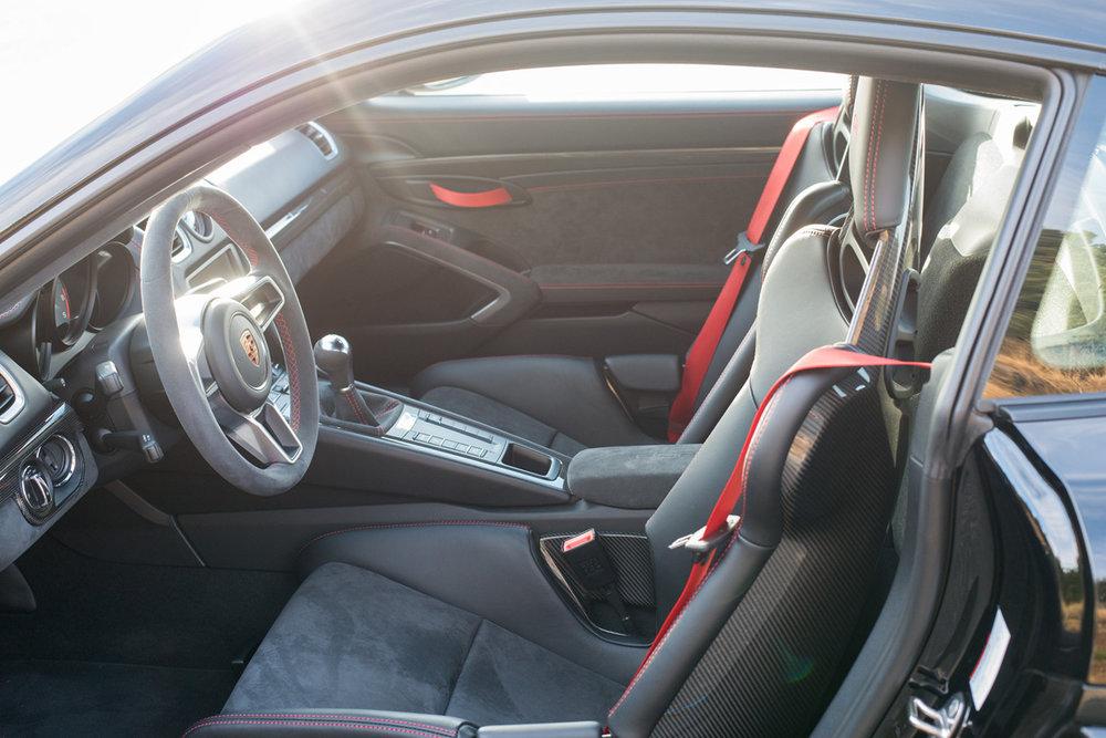 Cayman GT4-14.jpg