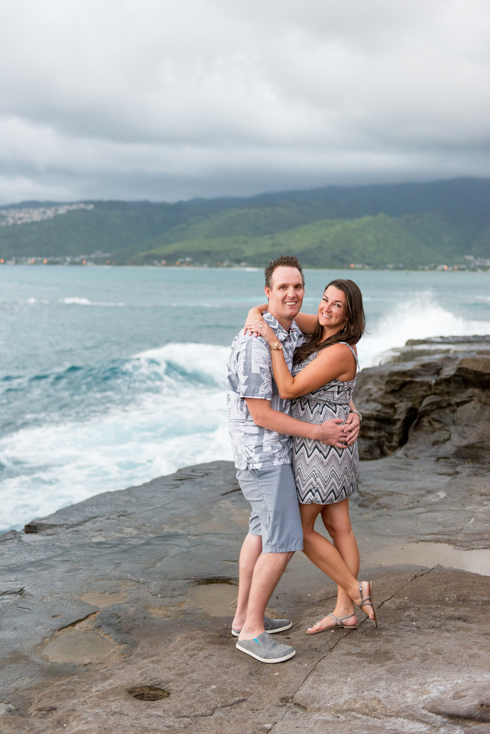Cliffside on Oahu Engagement Session