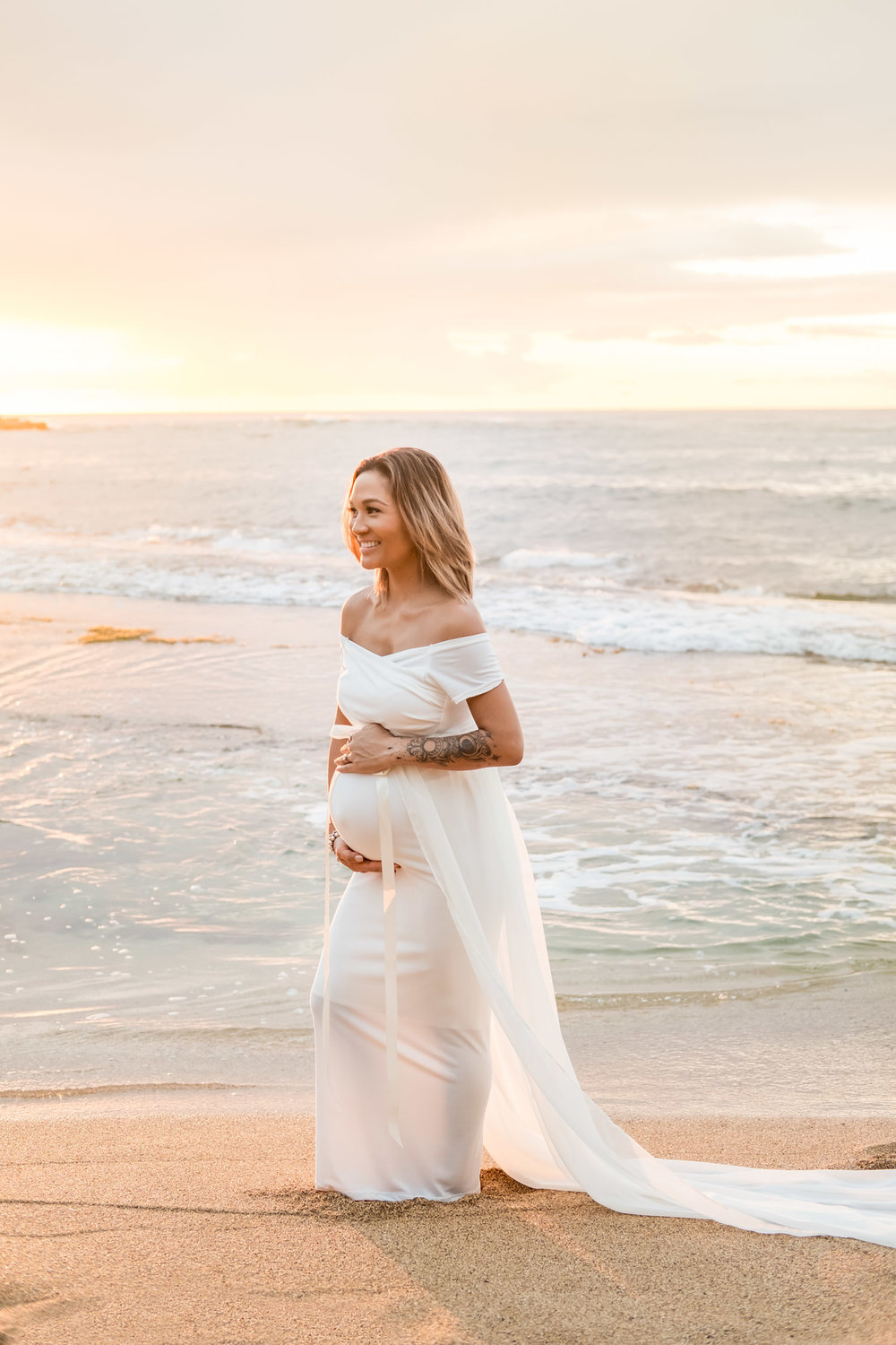Kauai Maternity Photography.  Sexy Mama Maternity. Hawaii. Beach maternity session.
