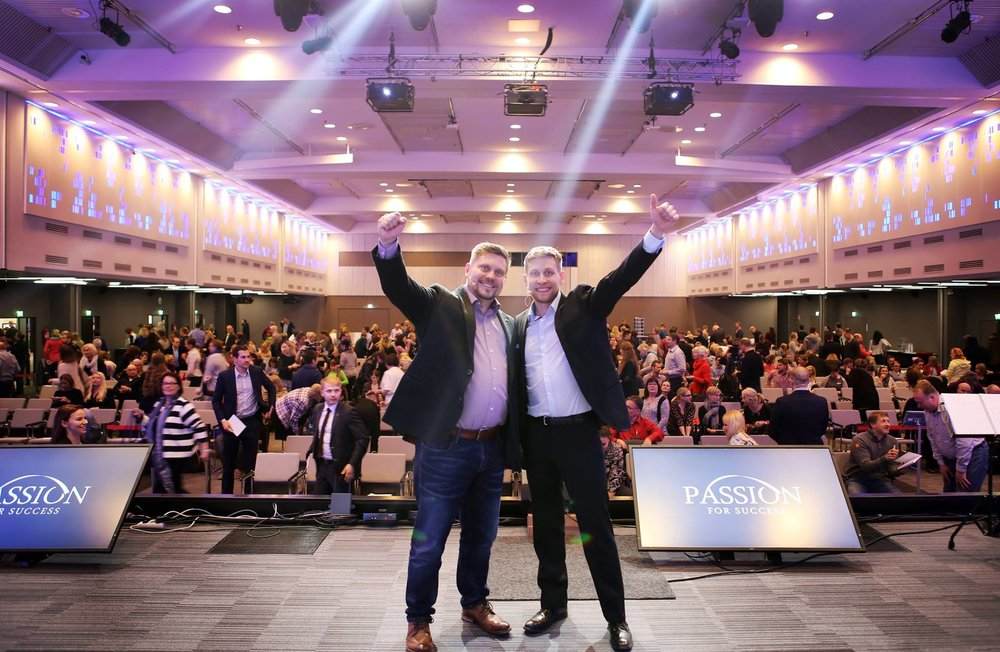 Mikko Sjögren ja Ilkka Koppelomäki Passion for Success 2017 -seminaarin jälkeen Helsingin Messukeskuksessa.