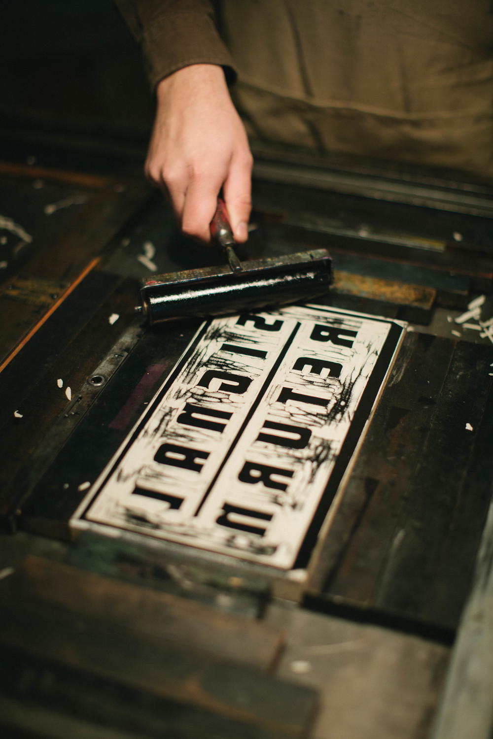 About signal return signal return focusing largely on the work of detroit based artists along work by michigan and national artists we also offer a selection of books about letterpress reheart Images
