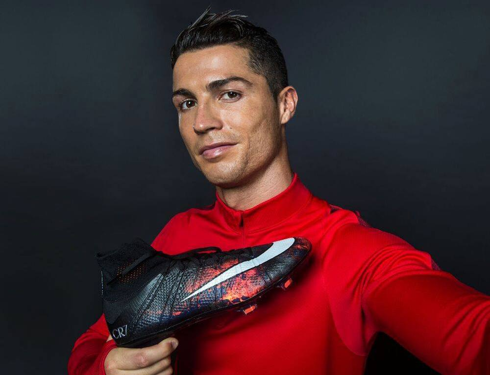 cristiano-ronaldo-nike-mercurial-savage-beauty-lava