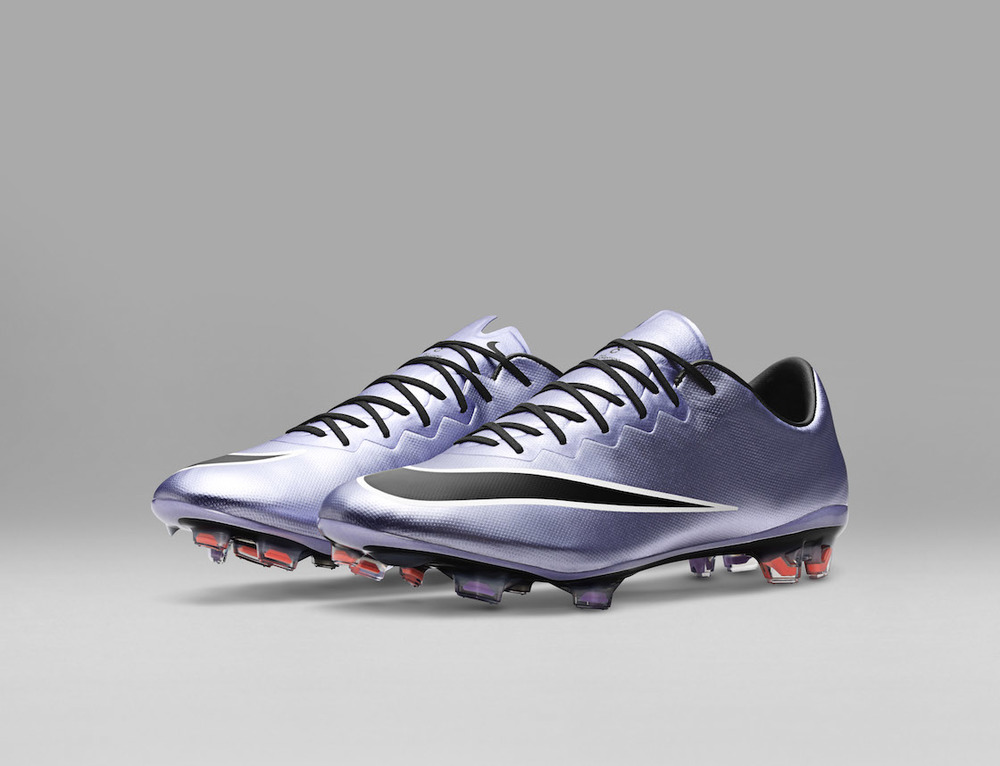 SP16_FB_LIQUID_CHROME_MERCURIAL_VAPOR_FG_648553_580_E_original.jpg