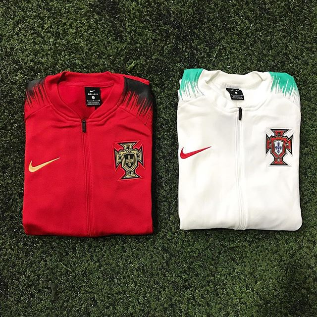 Right or left? 🇵🇹 ⠀⠀⠀⠀⠀⠀⠀⠀⠀ — #nike #nikesoccer #portugal #cr7 #ronaldo #wordcup #russia2018