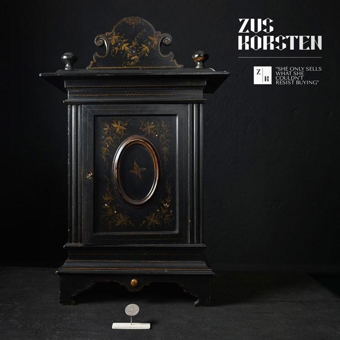 Little_Cabinet1.jpg