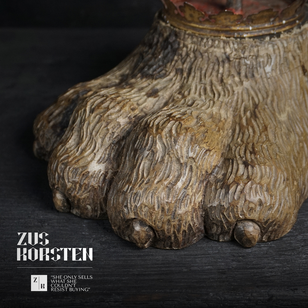 Lion-Foot-Candle-07.jpg