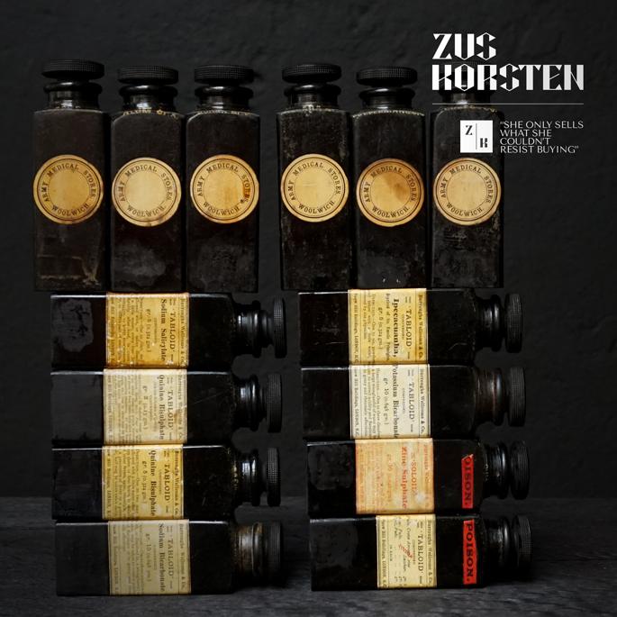 Bakelite-medicine-bottles-11.jpg