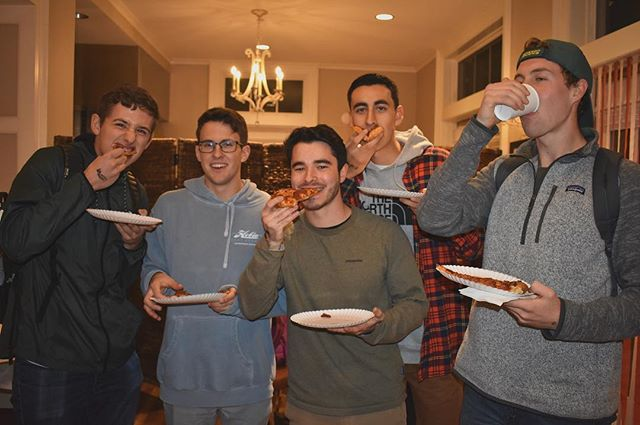 Some boys cheesing at Pizza with Pi Phi. Thanks for a great philanthropy! 🍕@uopibetaphi