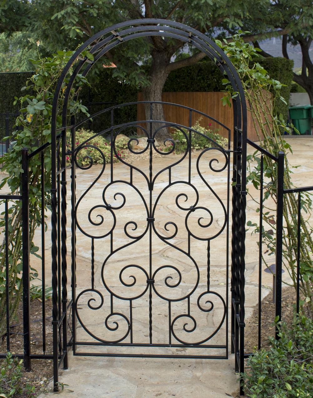 Gate_IMG_4673.jpg