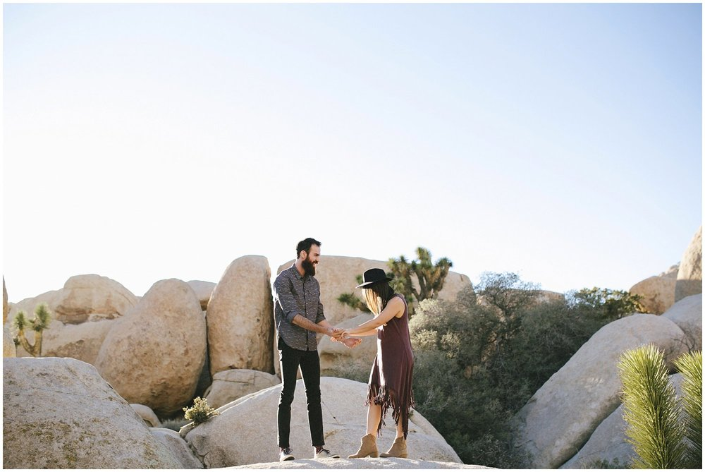 joshuatree_weddingphotographer_destinationweddingphotographer_emilychidesterphotography_0016.jpg