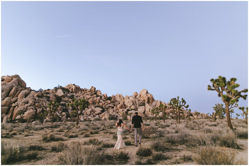 joshuatree_weddingphotographer_destinationweddingphotographer_emilychidesterphotography_0043.jpg