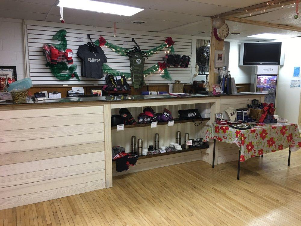 Front Desk & Pro-Shop -