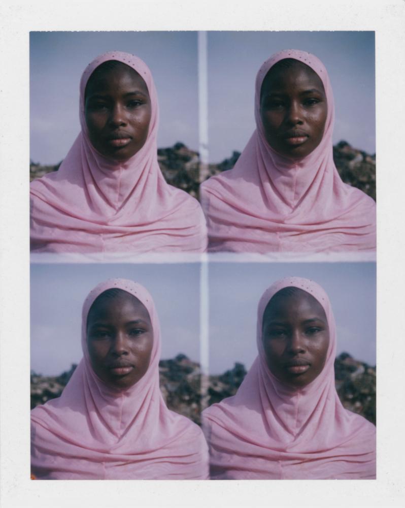 Émilie Regnier - Bamako, Mali 2013, réfugiée du nord du Mali - Série   Passeport