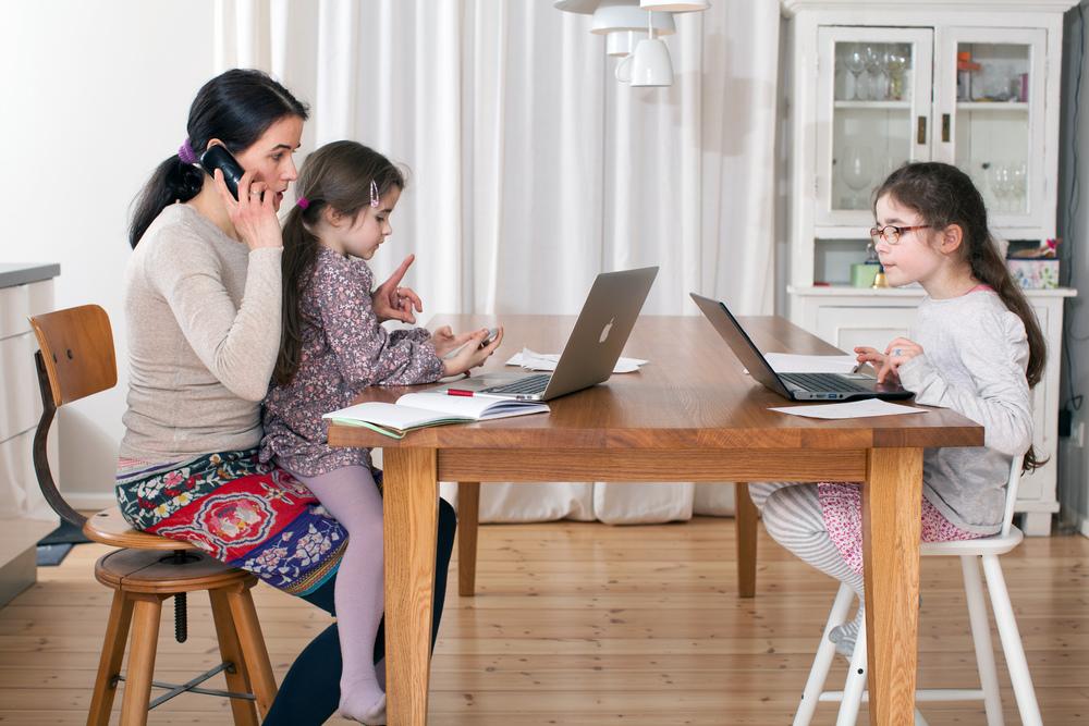 Foto vom Projekt Mompreneur: Esther Eisenhardt, CEO und Gründerin von Mompreneurs GmbH (2 Töchter)