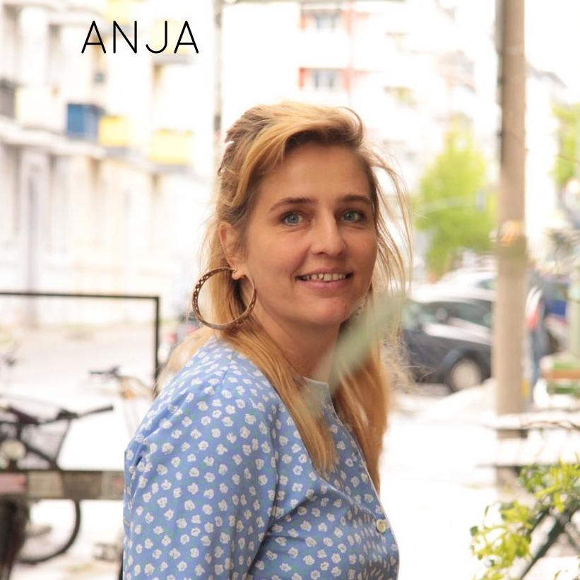 >> aus BERLIN sucht Partnerinnen, für eineWellnessgemeinschaft