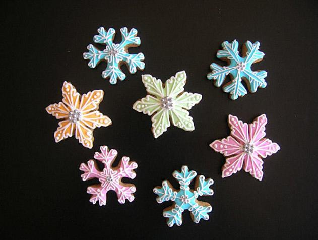 atelier mile away snow flakes cookies