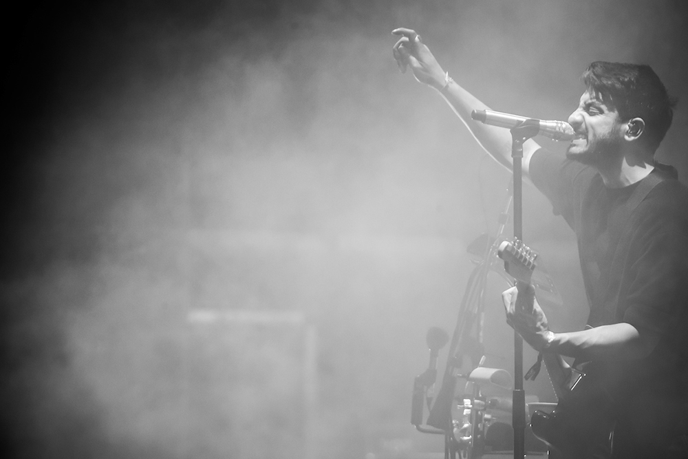 YOUNG THE GIANT 012.jpg