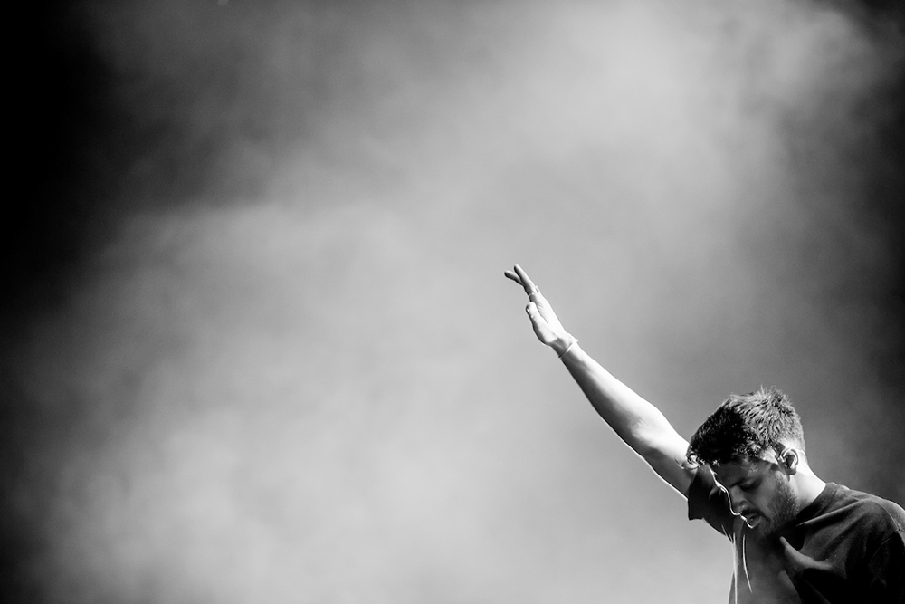 YOUNG THE GIANT 019.jpg