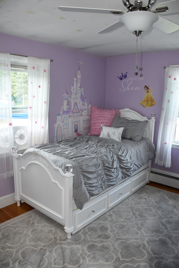 Princess Shea's new bed