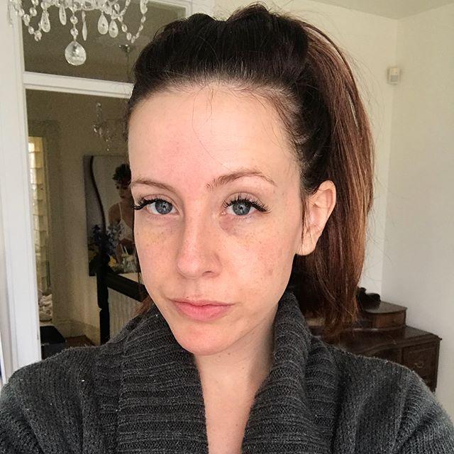 MORNING FACE  Swipe to see my MADE UP FACE!  Then tap that paper airplane to get a color match!  #makeupartist #makeuplife #lipsticklover #makeuptutorial #makeupandfriends #makeup #makeupbag #makeuptips #colormatch #wakeupandmakeup #fiveminutemakeup #brows #maskcara #happygirl #freshface #wcw