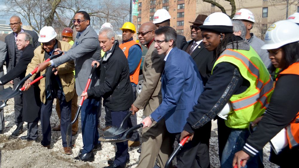 front row,from left: Mayor Emanuel, POAH CEO Aaron Gornstein, DL3 Realty managing Partner Leon Walker, 25th Ward Alderman Willie Cochran and Jewel-Osco Director of real Estate David Hene. At the groundbreaking of jewels-Osco in Woodlawn, March 7, 2018