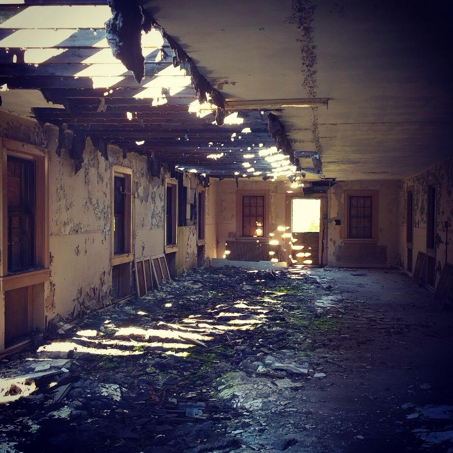 Our abandoned mental hospital location – no zombie movie would be complete without one.