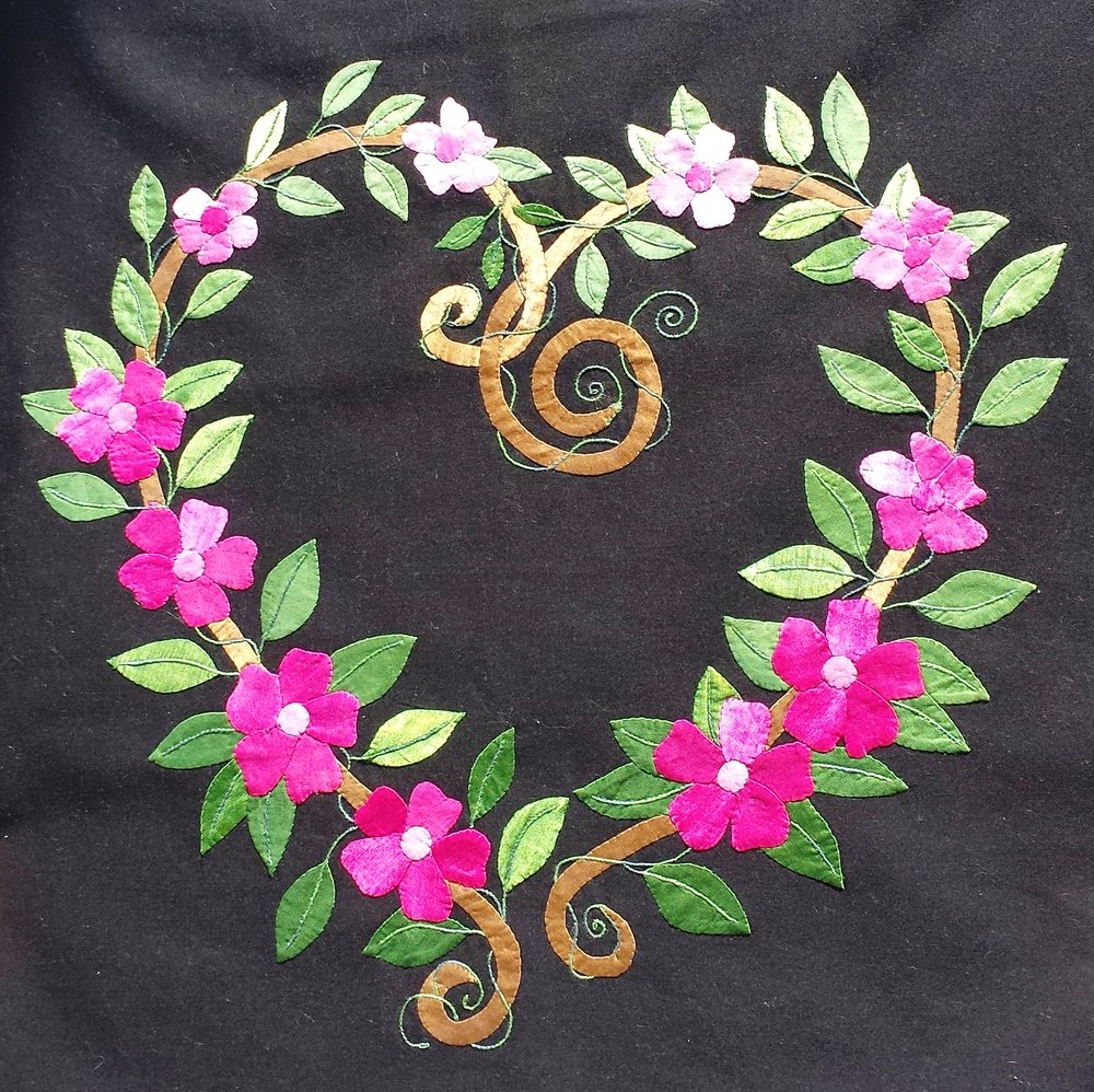 "#27 - ALICE WILHOIT - TWO DAY FEB 9-10 FRI-SAT ""HEART WREATH"" IN RADIANCE SILK APPLIQUE BLOCK"