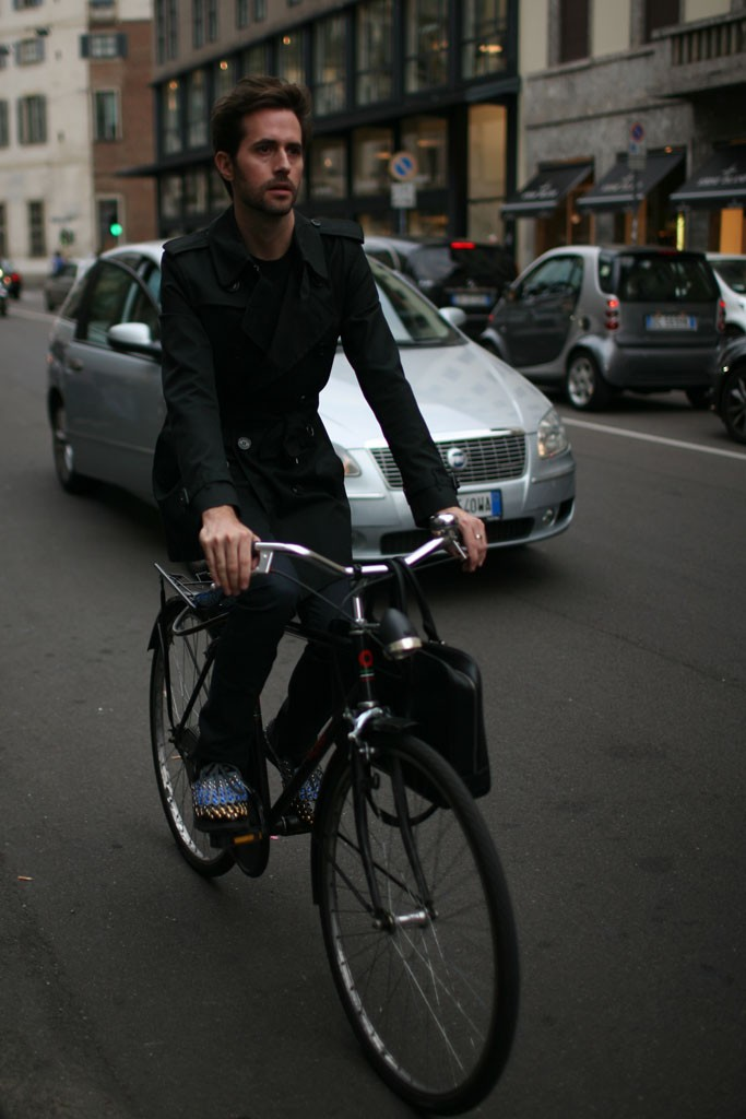 bike, suit, menswear, fashion, Milan