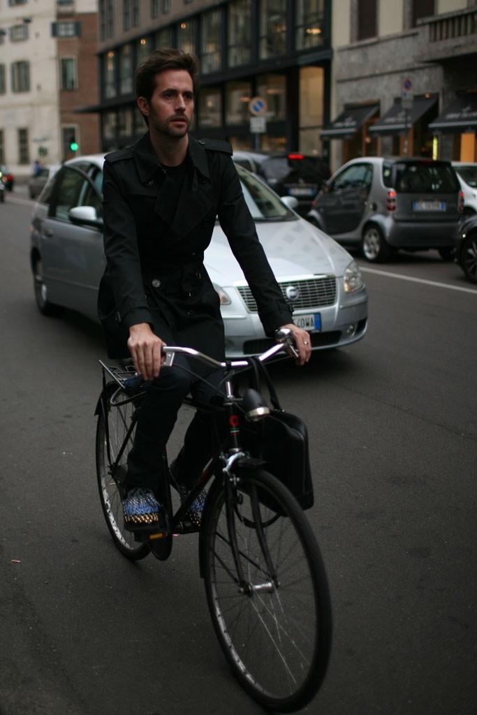 bike, suit, menswear, fashion, Milan