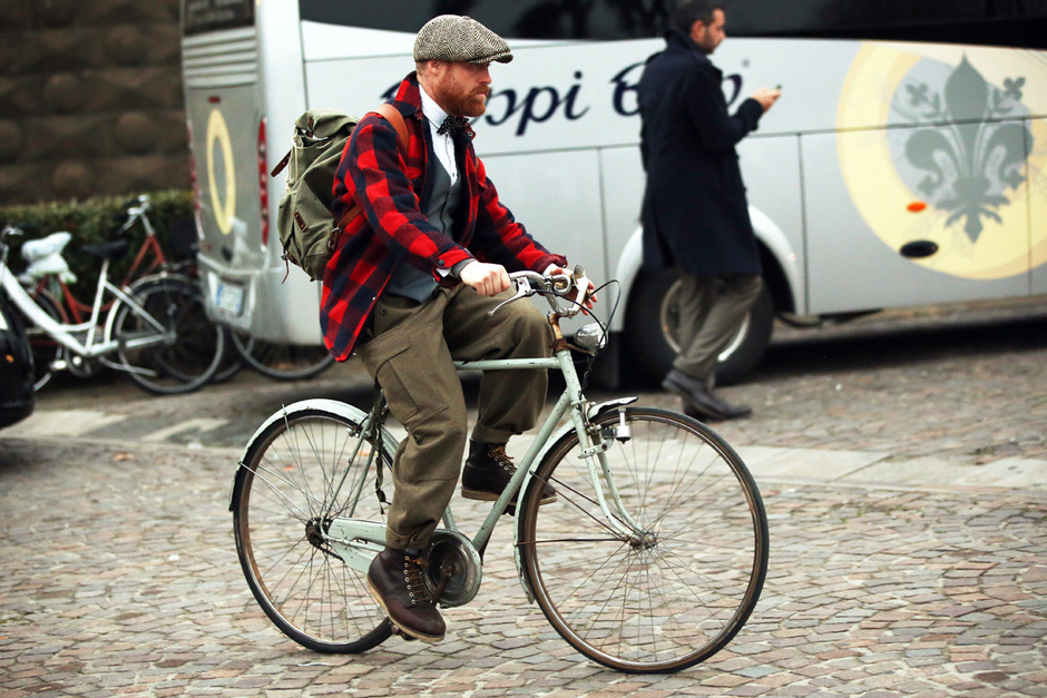 Pitti Uomo, Street Style, Fall/Winter 2013, menswear, plaid, florence, Italy, military pants, bike, bicycle