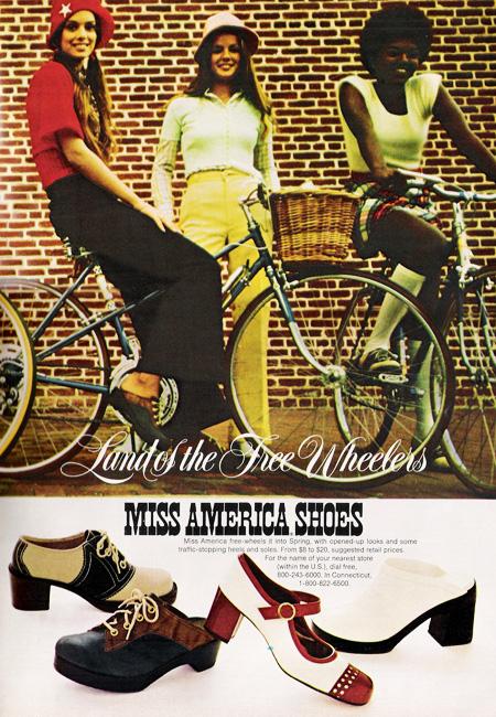 bikepretty, bike pretty, cycle style, cycle chic, bike model, girl on bike, bike fashion, cute bike, just seventeen, miss american shoes, seventies, march 1973, 70s, 1970s, vintage magazine