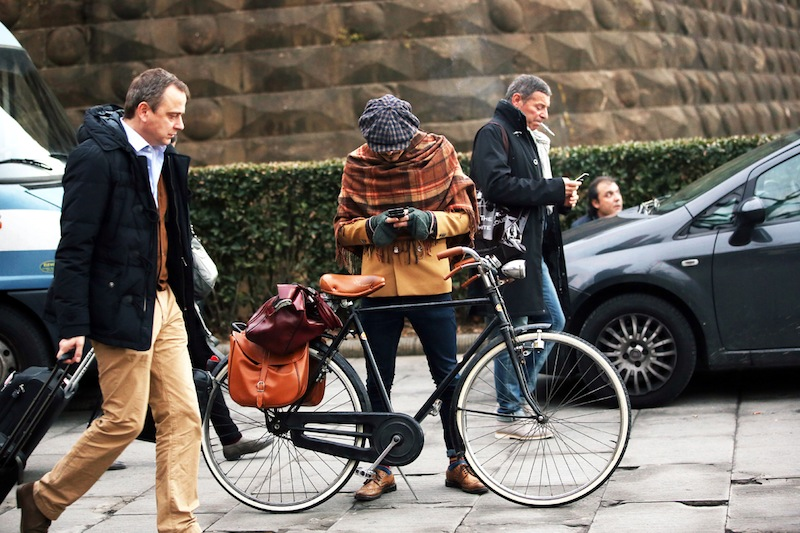 Pitti Uomo, Street Style, Fall/Winter 2013, bike, bicycle, tweed, plaid, vintage bike, menswear