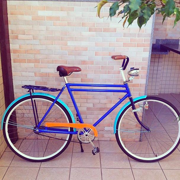 """""""Mais uma criança feliz!!!"""", blue bike, bike fenders"""