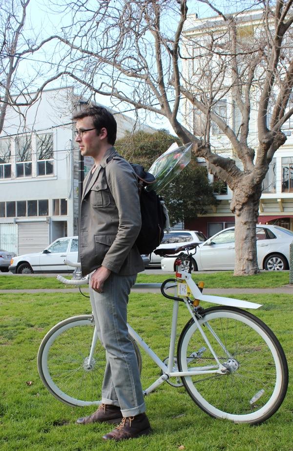 bikepretty, bike pretty, cycle style, cycle chic, bike model, girl on bike, bike fashion, bicycle fashion, bicycle fashion blog, cute bike, vintage, girls on bikes, model on bike, street style men, man model, street style, flowers