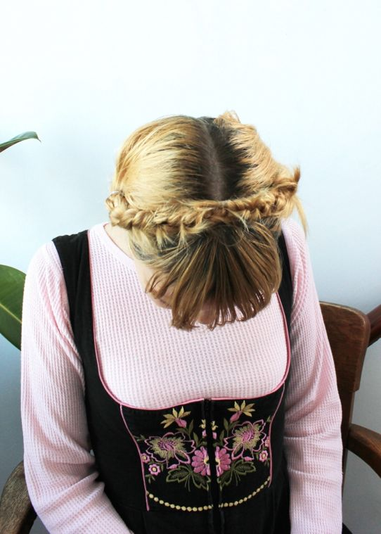 how to style your hair when braid how to milkmaid style bike pretty 7217