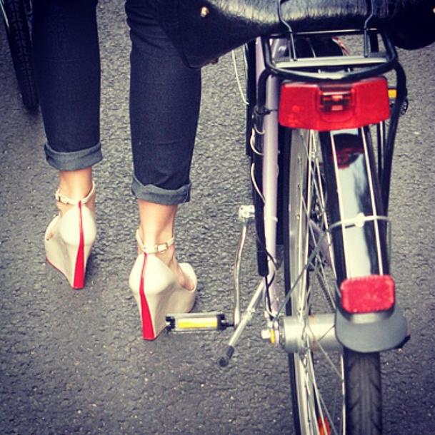 bikepretty, bike pretty, cycle style, cycle chic, bike model, bike fashion, cute bike, biking in heels, red heels, biking in wedges, instagram, girl and a bike